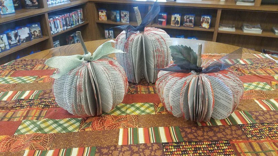 Pick up a Paperback Pumpkin Craft Bag